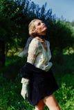 Mujer joven magnífica en velo Fotografía de archivo
