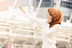 Mujer joven musulmán Imagen de archivo libre de regalías