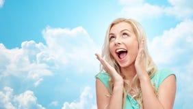 Mujer joven o adolescente sonriente Surprised Foto de archivo