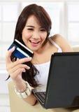 Mujer joven ocupada Imagen de archivo libre de regalías
