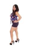 Mujer joven preciosa en pantalones cortos Imágenes de archivo libres de regalías