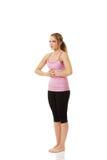 Mujer joven que hace ejercicio aeróbico Fotografía de archivo