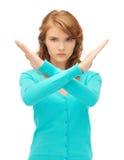 Mujer joven que hace gesto de la parada Fotografía de archivo