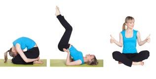 Mujer joven que hace la serie de ejercicio de la yoga Fotografía de archivo libre de regalías