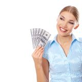 Mujer joven que lleva a cabo seis cuentas del ciento-dólar imágenes de archivo libres de regalías