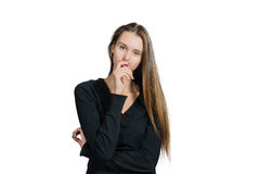Mujer joven que piensa en el somethng importante imagen de archivo libre de regalías