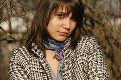Mujer joven que pone mala cara un dígito binario Fotografía de archivo libre de regalías