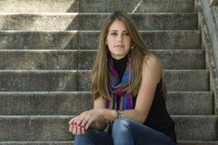Mujer joven que se relaja Fotografía de archivo libre de regalías