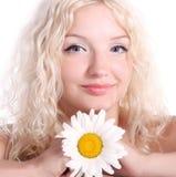 Mujer joven rubia hermosa Imagen de archivo libre de regalías