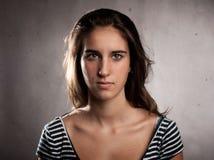 Mujer joven seria Fotos de archivo libres de regalías