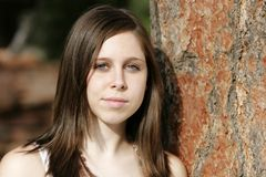 Mujer joven seria y hermosa Imágenes de archivo libres de regalías