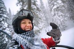 Mujer joven sonriente emoción feliz Aislado en el backgroun blanco Foto de archivo libre de regalías