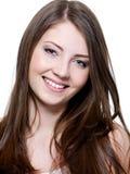 Mujer joven sonriente hermosa Imagenes de archivo