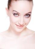 Mujer joven voluble con maquillaje profesional Fotos de archivo libres de regalías