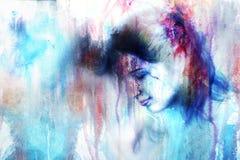 Mujer joven y una paloma, en la luz de las estrellas del centelleo sumergida, congelado Foto de archivo libre de regalías