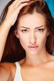 Mujer larga del brunette del pelo Fotografía de archivo
