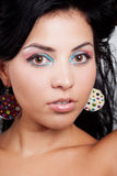 Mujer linda con maquillaje colorido agradable Foto de archivo