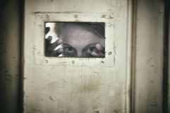 Mujer loca atrapada en un hospital mental Imagen de archivo libre de regalías