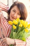 Mujer madura feliz Imagenes de archivo
