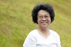 Mujer mayor asiática Fotografía de archivo