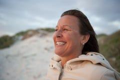 Mujer mayor atractiva del retrato fotos de archivo libres de regalías