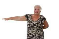 Mujer mayor durante el entrenamiento de la aptitud Imágenes de archivo libres de regalías