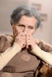 mujer mayor hermosa triste Fotos de archivo libres de regalías