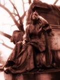 Mujer Meditating imagen de archivo libre de regalías