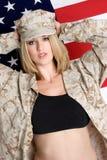 Mujer militar atractiva imagen de archivo