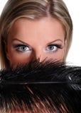 Mujer misteriosa hermosa con los ojos grandes Imágenes de archivo libres de regalías