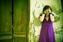 Mujer molestada imagenes de archivo