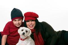 Mujer, muchacho y perro Imagenes de archivo
