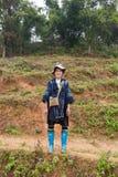 Mujer negra de Hmong en Sapa Foto de archivo