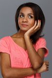 Mujer negra joven alegre Imagenes de archivo