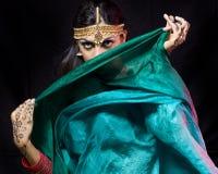 Mujer oriental del bailarín Foto de archivo libre de regalías