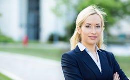 Mujer profesional confiada, abogado fotografía de archivo libre de regalías