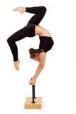 Mujer profesional joven del gimnasta Fotos de archivo