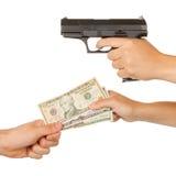 Mujer que amenaza con un arma negro Imágenes de archivo libres de regalías