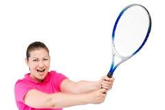 mujer que anima con una estafa para el tenis en las manos en un blanco Imagenes de archivo
