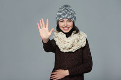 Mujer que da gesto del alto cinco Imágenes de archivo libres de regalías