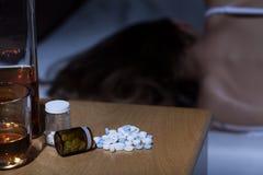 Mujer que duerme después de alcohol Foto de archivo libre de regalías