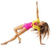 Mujer que ejercita el deporte gimnástico, ejercicio atractivo de la aptitud de la muchacha Foto de archivo libre de regalías