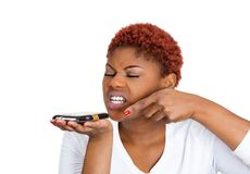 Mujer que grita en el teléfono Foto de archivo libre de regalías