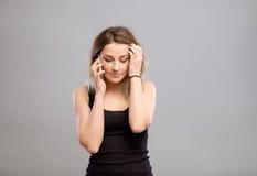 Mujer que habla el teléfono móvil Foto de archivo libre de regalías