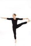 Mujer que hace ejercicio de la yoga Imagen de archivo libre de regalías
