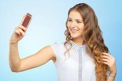 Mujer que hace un selfie Imagen de archivo libre de regalías