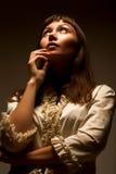 Mujer que mira al futuro Foto de archivo libre de regalías