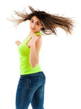 Mujer que mueve de un tirón su pelo Imágenes de archivo libres de regalías
