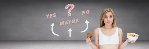 Mujer que piensa decidiendo la opción sana y malsana de la comida con el sí ningún quizá con las flechas gráficas en w libre illustration