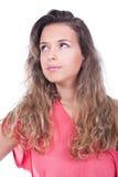 Mujer que piensa y que mira para arriba Imagenes de archivo